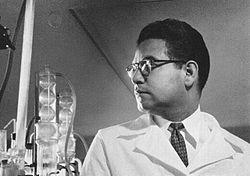 Inventor de las píldoras anticonceptivas Luis Miramontes