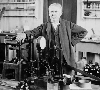 Thomas Edison en su laboratorio de West Orange
