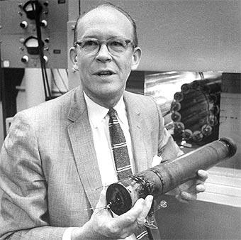 Inventor de la datación por radiocarbono Willard Libby